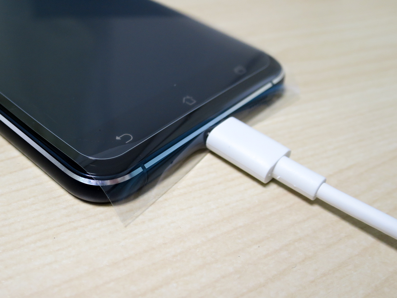 Zenfone 3の液晶保護シート