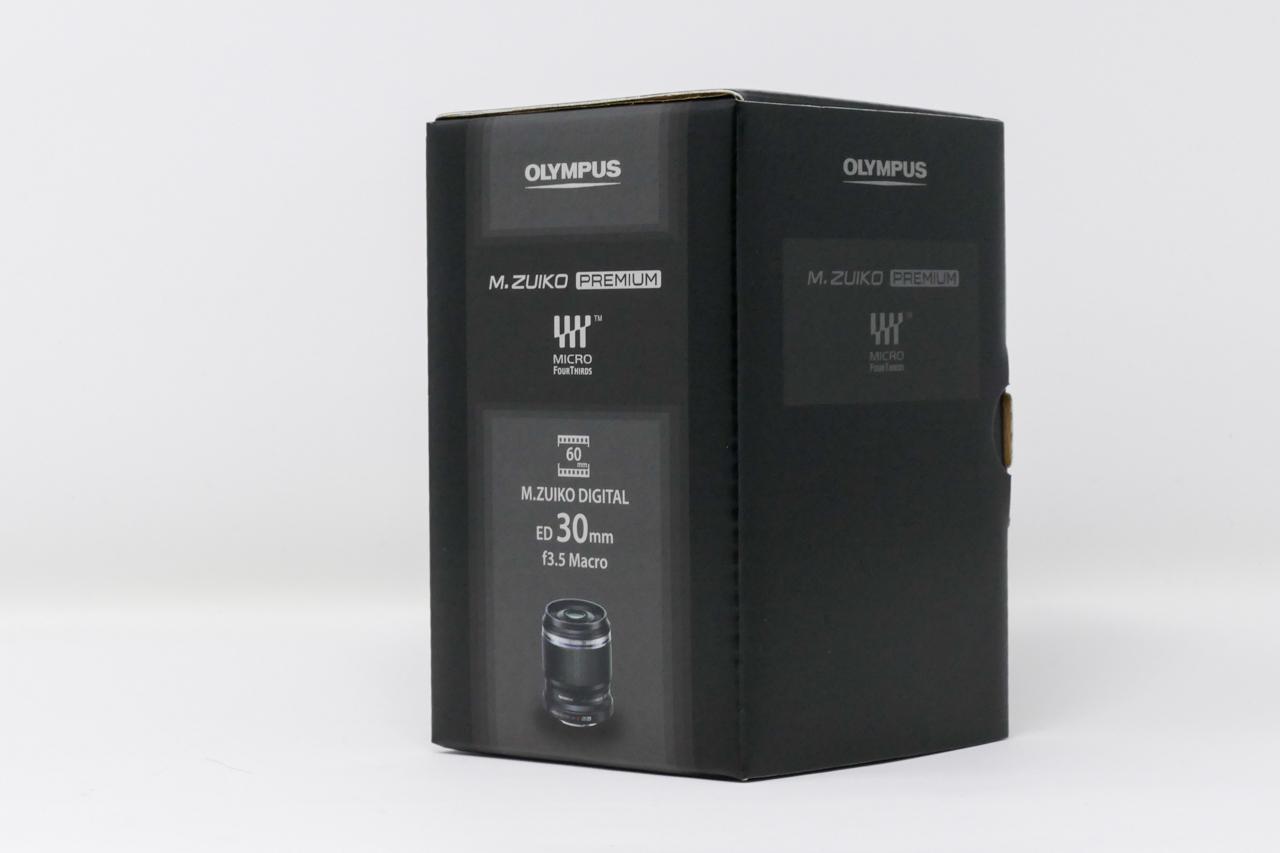 OM-D E-M10 MarkII + M.ZUIKO DIGITAL ED 30mm F3.5 Macroの箱